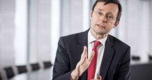 2017 war für Anleger bisher ein phantastisches Jahr. Ob das bleibt oder ob sich Anleger auf härtere Zeiten einstellen müssen, beantwortet Dr. Ulrich Kater.