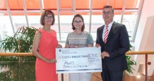 Spendenübergabe AWO Soziale Dienste Straubing Sparkasse Blog Kinderhilfe Jugendhilfe