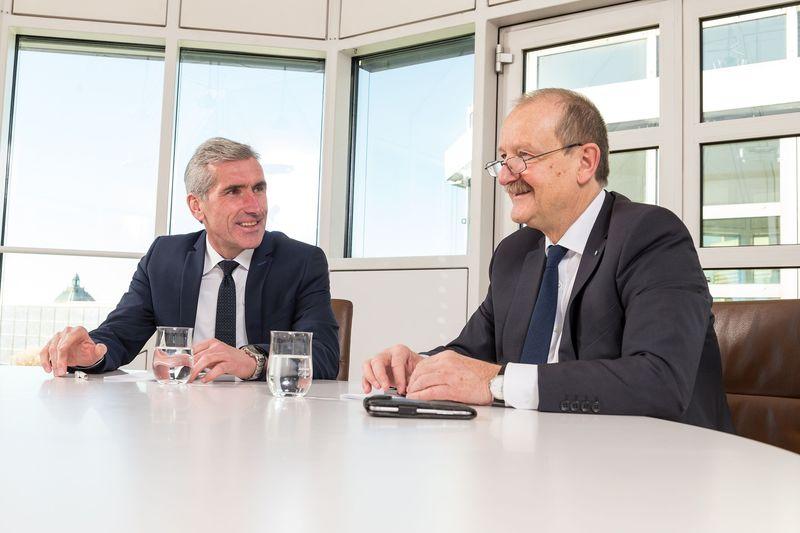 BayernLB und Sparkasse Niederbayern-Mitte im Gespräch