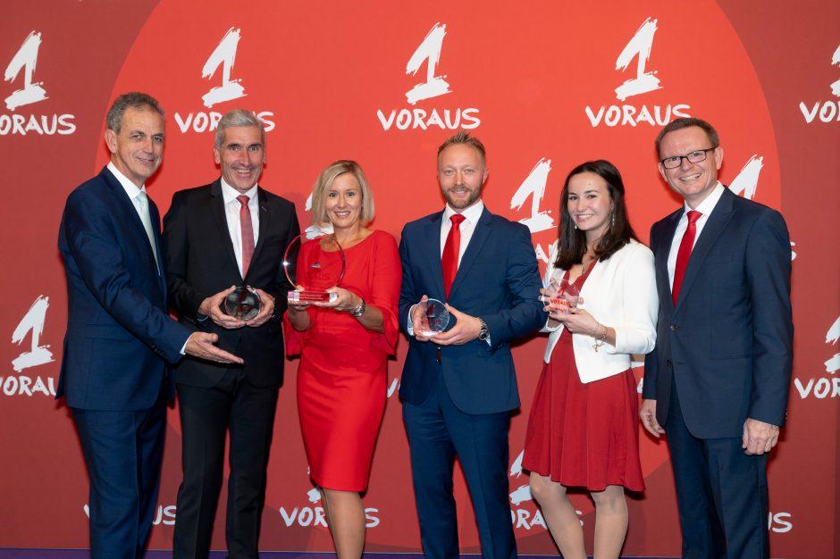 """""""1 Voraus""""-Award für die Sparkasse Niederbayern-Mitte"""