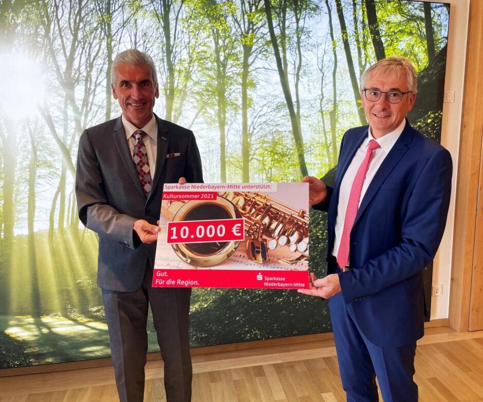 10.000 Euro für das kulturelle Leben im Landkreis