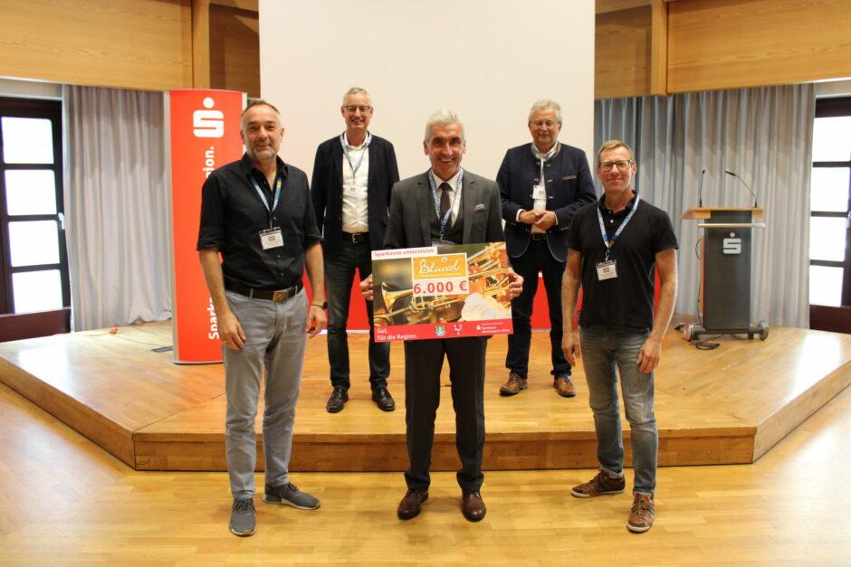 6000 Euro für das Bluval Musikfestival